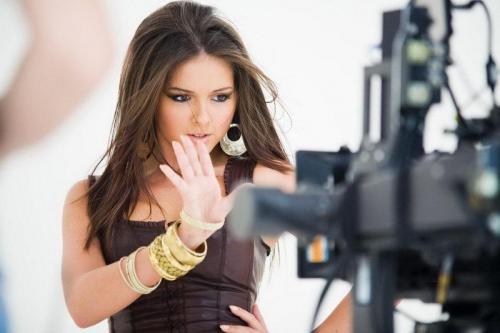 Нюша выпустила новый клип на песню
