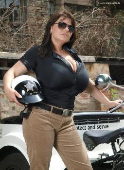 Gigantic tits seduction