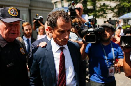 Бывший конгрессмен Энтони Винер признан виновным за секс-переписку с несовершеннолетней