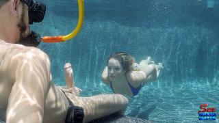 Секс подводный видео
